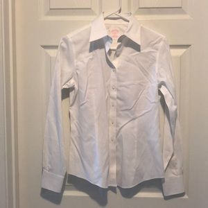 Like new brooks brothers non iron size 2